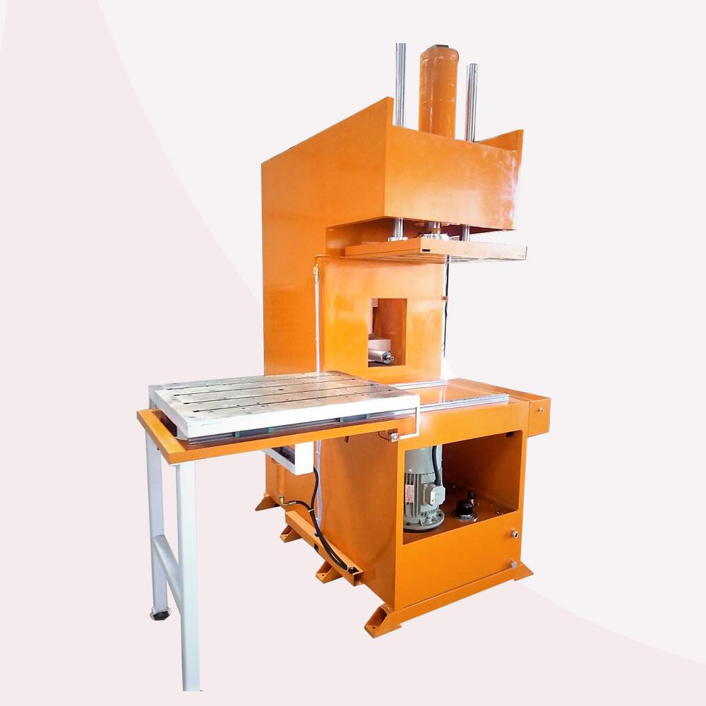 Core Injection Machine